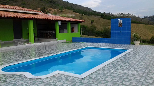 Rancho para aluguel capit lio 2 quartos ref 1173 for Piscina 4x4